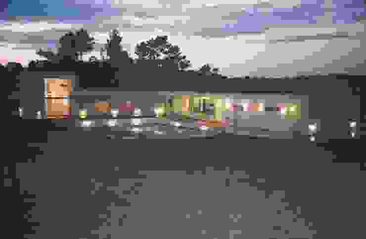 Casa L por Andre Espinho Arquitectura Minimalista