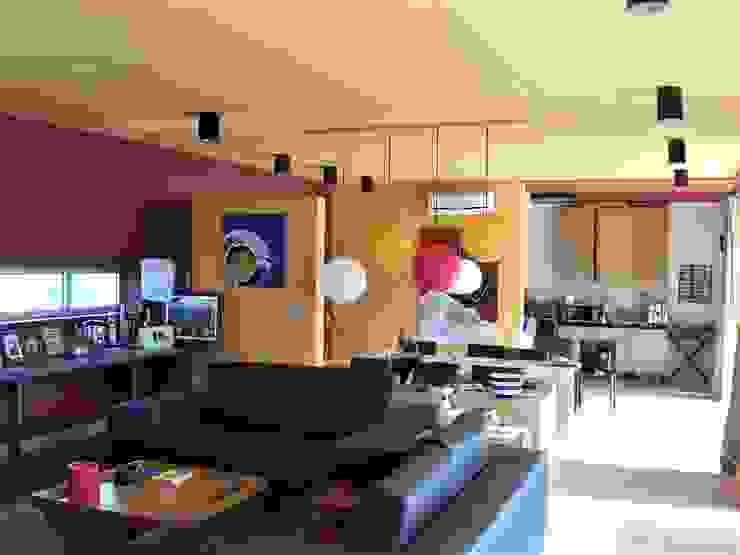 Casa L Salas de estar minimalistas por Andre Espinho Arquitectura Minimalista