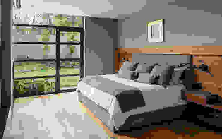 MC 101 Dormitorios modernos de DMArquitectura Moderno