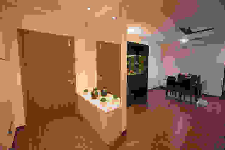 Modern Interiors by Aikaa Designs Modern corridor, hallway & stairs by Aikaa Designs Modern