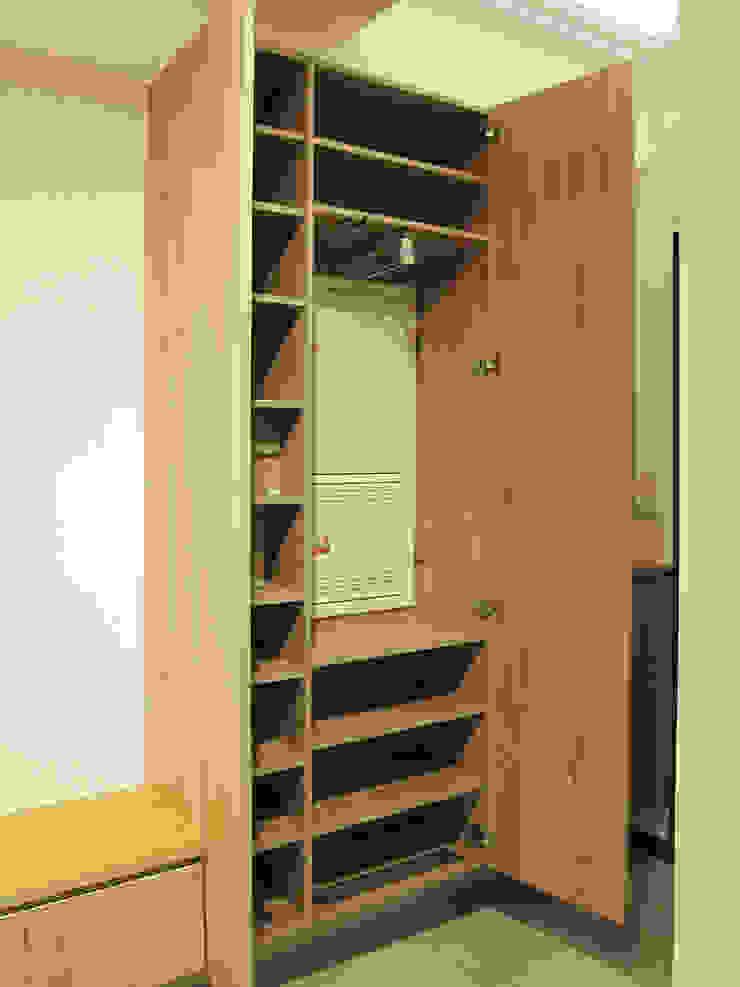 全室案例-台北市大同區-1 斯堪的納維亞風格的走廊,走廊和樓梯 根據 ISQ 質の木系統家具 北歐風