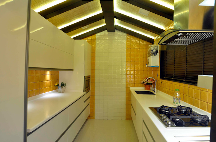 Modular kitchen AARAYISHH Built-in kitchens White
