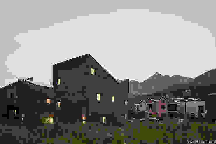 은평구 진관동 단독주택 by 삼공사건축사사무소 모던 벽돌