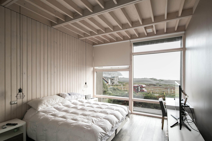 MACIZO, ARQUITECTURA EN MADERA Small bedroom Wood Wood effect