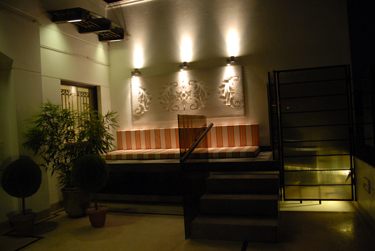 Teenager Boy Bedroom- Lounge And Terrace Eclectic style balcony, veranda & terrace by Tanish Dzignz Eclectic