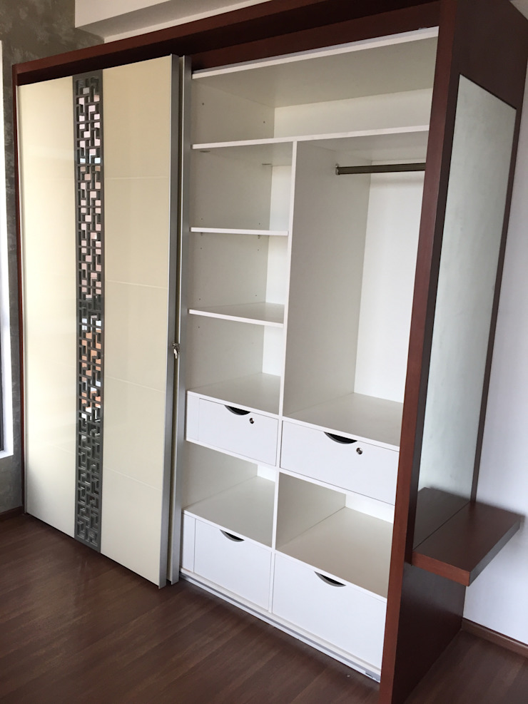 Sliding Wardrobes in Chennai by Hoop Pine Hoop Pine Interior Concepts BedroomWardrobes & closets Plywood Multicolored