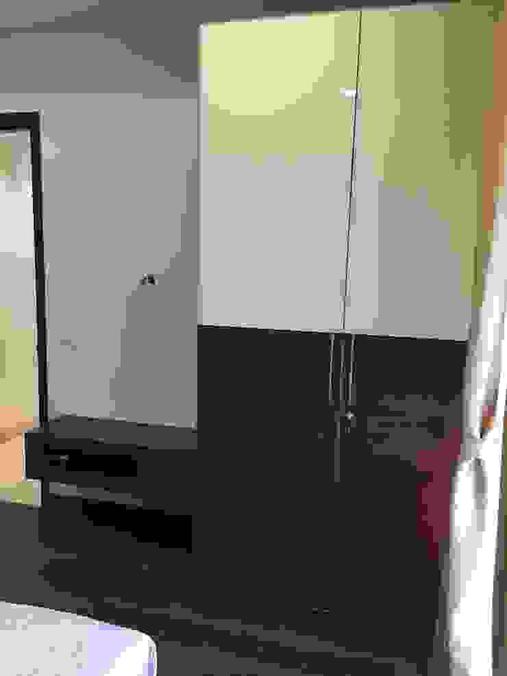 Wardrobe with TV Unit Hoop Pine Interior Concepts BedroomWardrobes & closets Plywood Multicolored