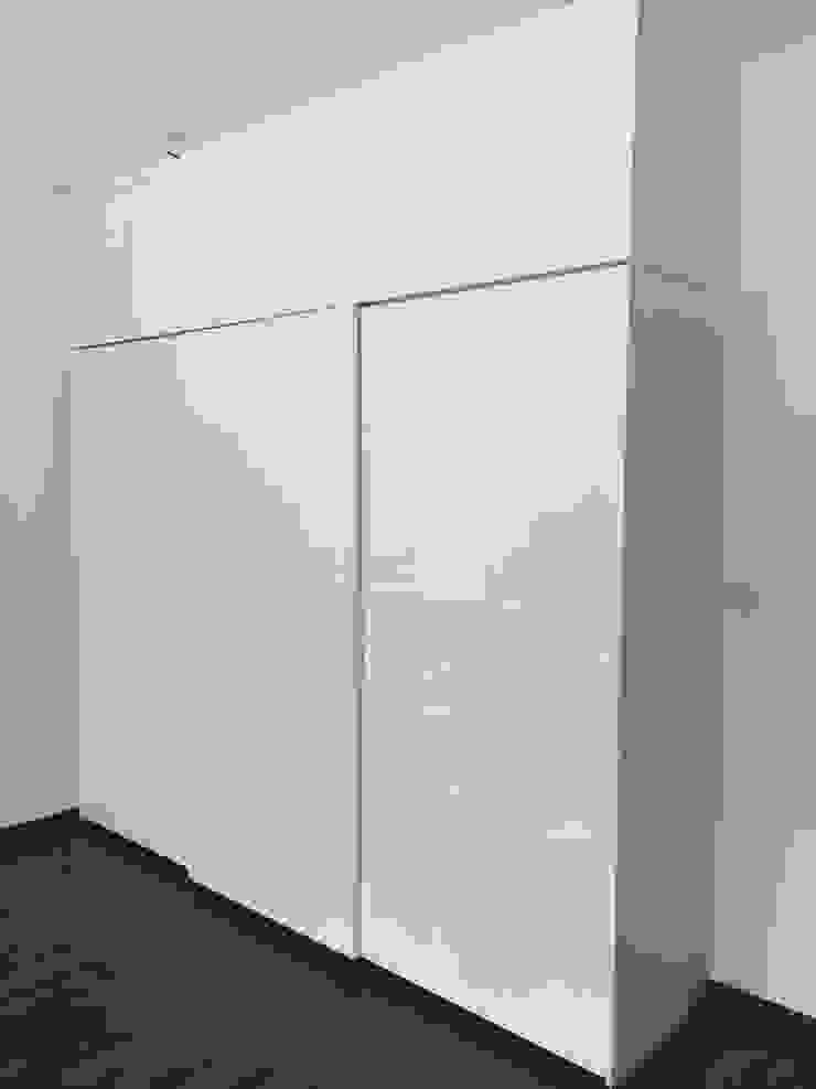 3-door sliding wardrobe Hoop Pine Interior Concepts BedroomWardrobes & closets Plywood White