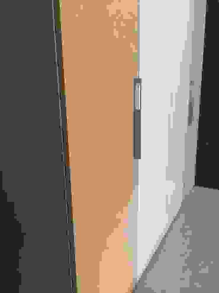Elegant Wardrobes by Hoop Pine, Chennai: modern  by Hoop Pine Interior Concepts,Modern Plywood