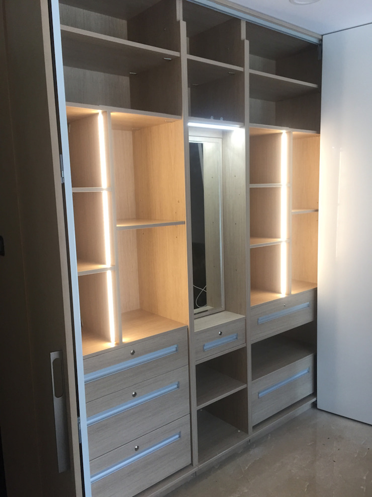 Beautifully designed wardrobes by Hoop Pine Hoop Pine Interior Concepts BedroomWardrobes & closets Plywood Multicolored