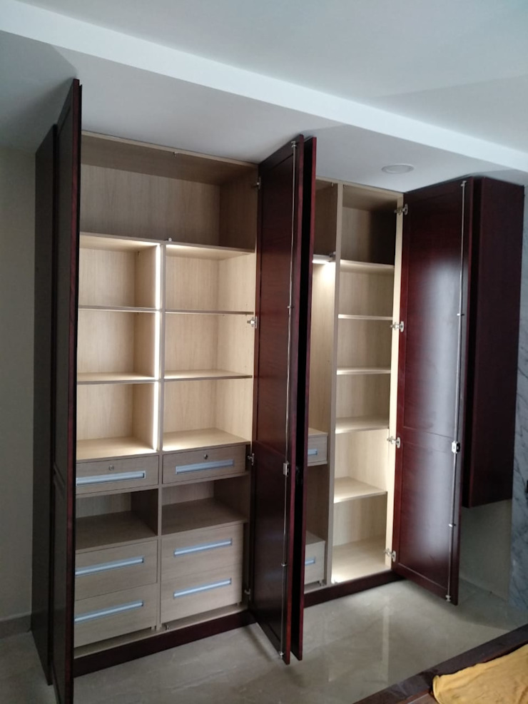 Wardrobe with internal lighting Hoop Pine Interior Concepts BedroomWardrobes & closets Wood Brown
