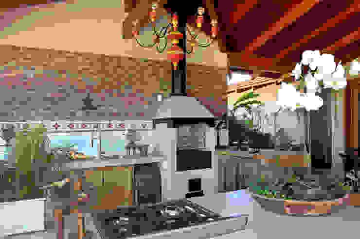 Cocinas de estilo rural de Célia Orlandi por Ato em Arte Rural