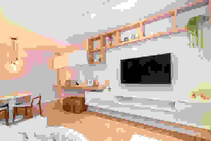MOOD- Apartamento Interlagos: Salas de estar  por Estudio MOOD,Minimalista