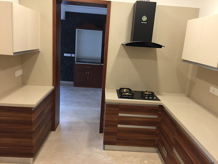 L-shaped Kitchen in Chennai Hoop Pine Interior Concepts Kitchen units Plywood Multicolored
