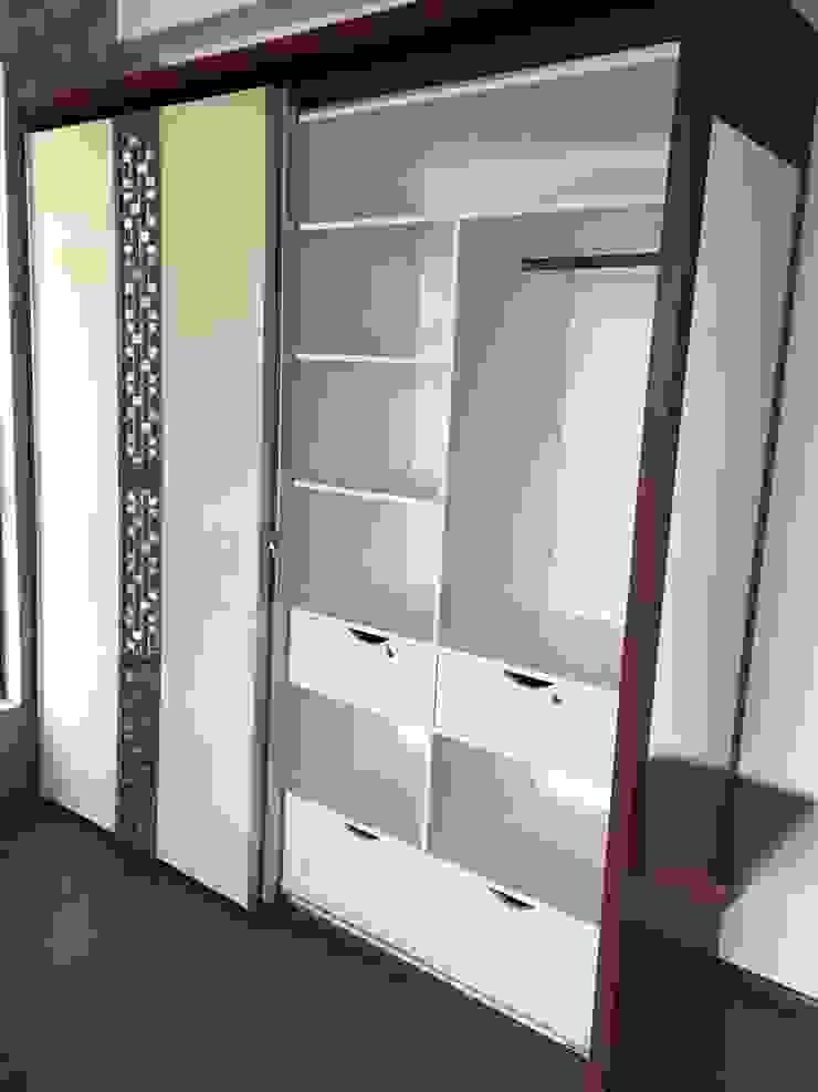His & Her Wardrobe storage: modern  by Hoop Pine Interior Concepts,Modern Plywood