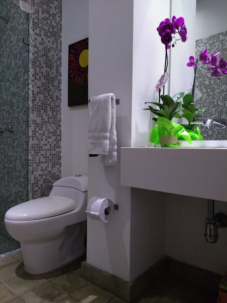 Bano social entrearquitectosestudio Baños de estilo moderno Cuarzo Blanco