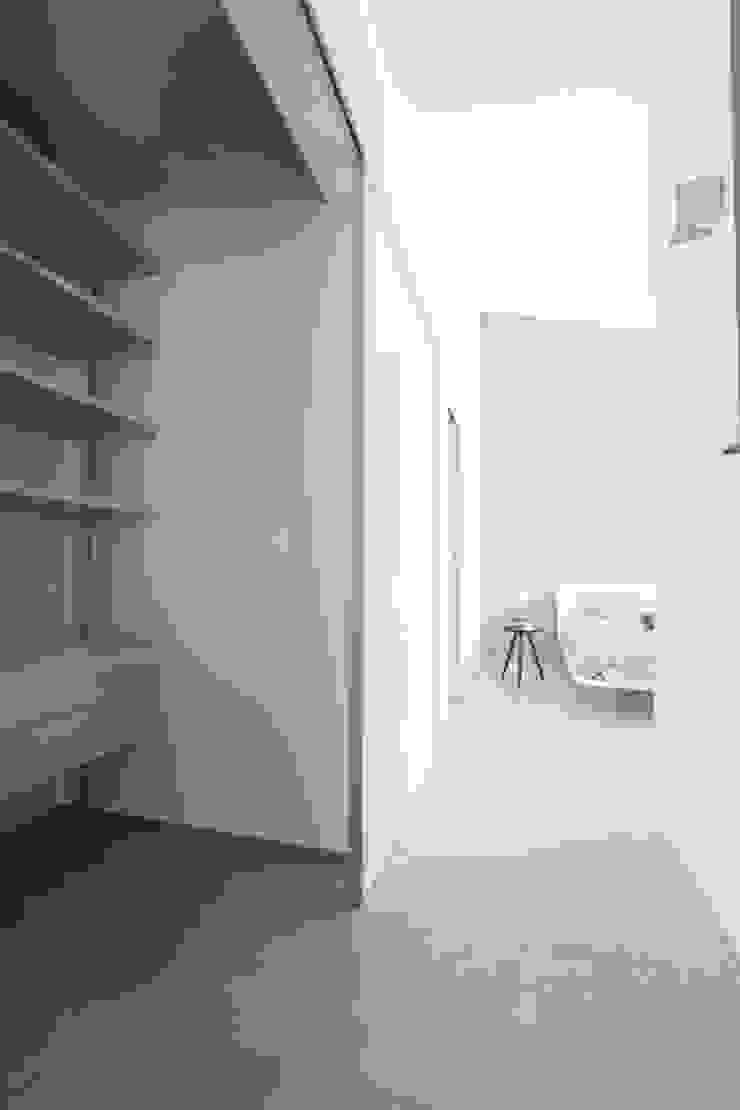 Cabina armadi LM PROGETTI Camera da letto moderna