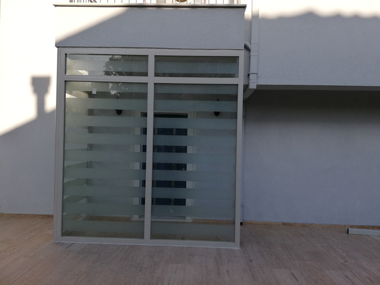 Yapısan Cephe Sistemleri Haustür Glas Metallic/Silber