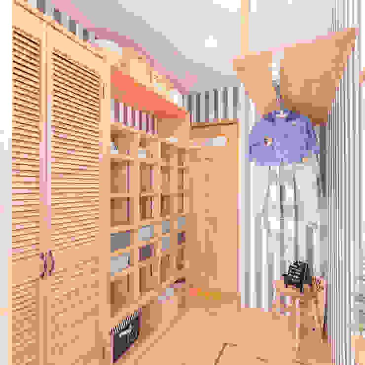ベーシックナチュラルスタイルの家 クローバーハウス ラスティックデザインの ドレッシングルーム 木 ブラウン