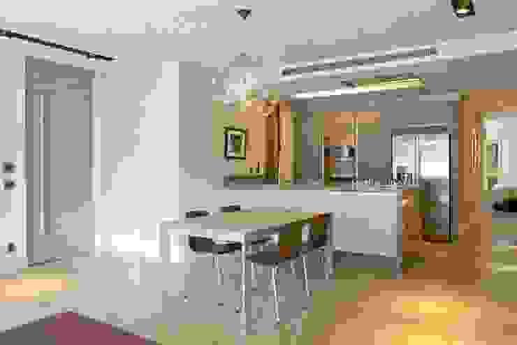 AGE/Alejandro Gaona Estudio Minimalist dining room Concrete White