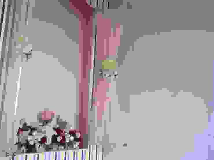 new born baby girl room Minimalist nursery/kids room by Tanish Dzignz Minimalist