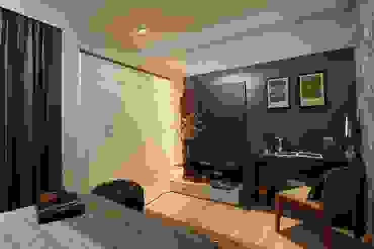 Appartment Interiors Tanish Dzignz Classic style bedroom