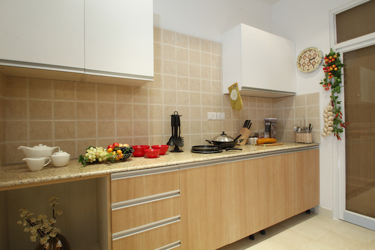 Appartment Interiors Tanish Dzignz Classic style kitchen