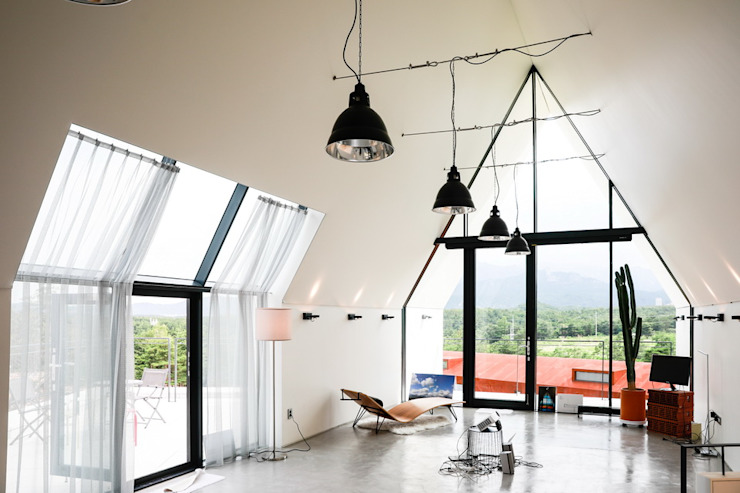 실내 / 2층 작업실 미니멀리스트 거실 by AEV Architectures (아으베아키텍쳐스) 미니멀