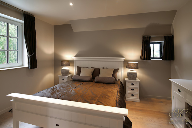 Marcotte Style BedroomBeds & headboards