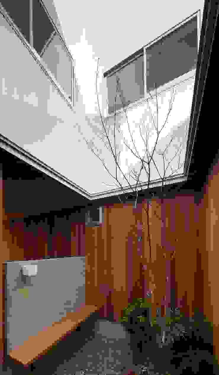by ツジデザイン一級建築士事務所 Scandinavian Wood Wood effect