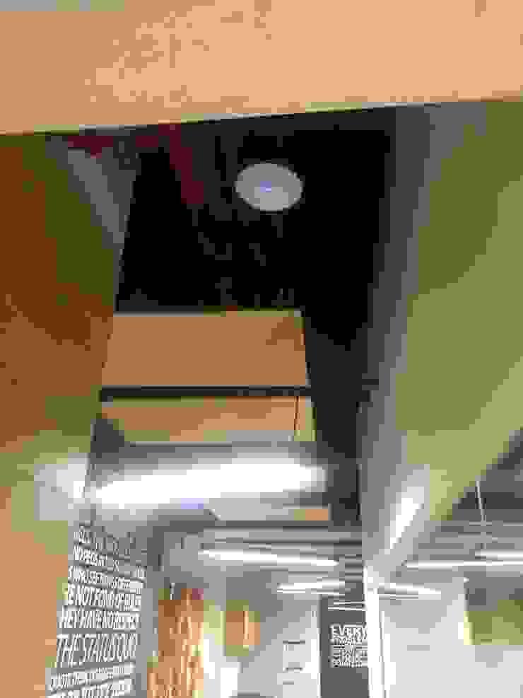 Ataxia Servicios Modern study/office Wood-Plastic Composite White