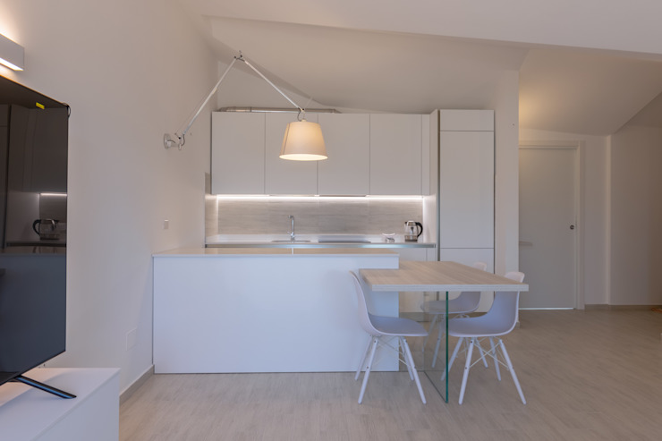 Micro Interior Design Modern kitchen Wood White