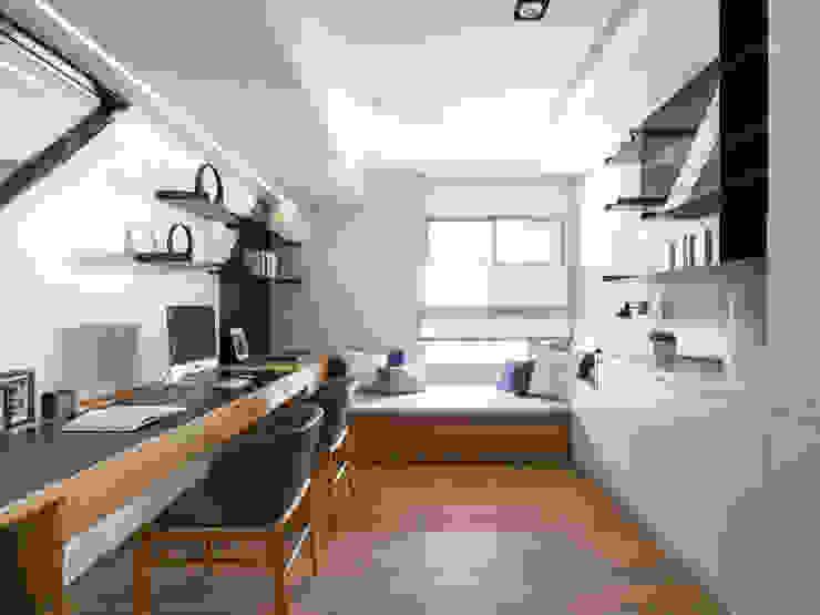 書房 Modern Study Room and Home Office by 存果空間設計有限公司 Modern