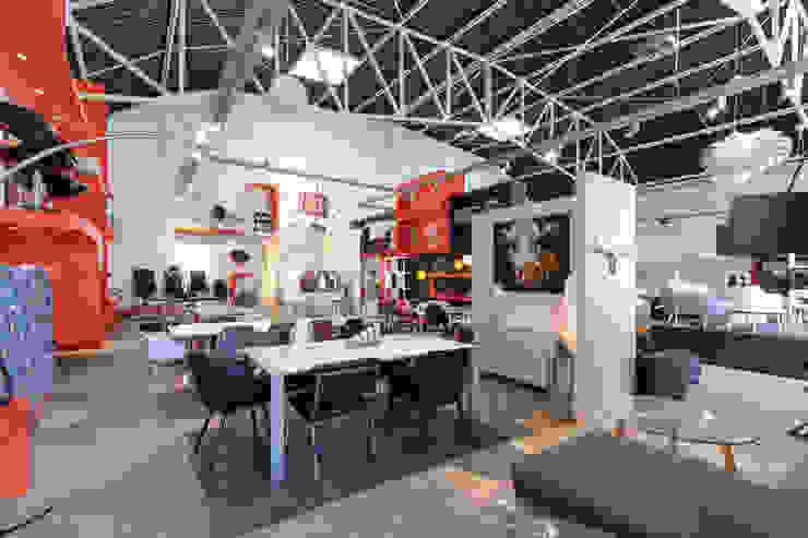 Столовая комната в стиле модерн от Alterego Design Модерн