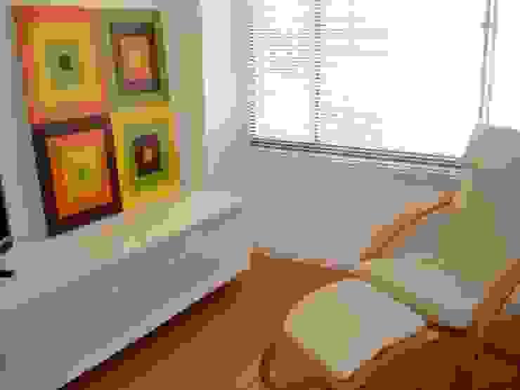 espacios Estudios y despachos de estilo moderno de David Fernando Enciso Moderno