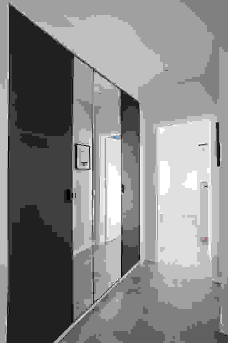 Perfect Space Koridor & Tangga Gaya Skandinavia Black