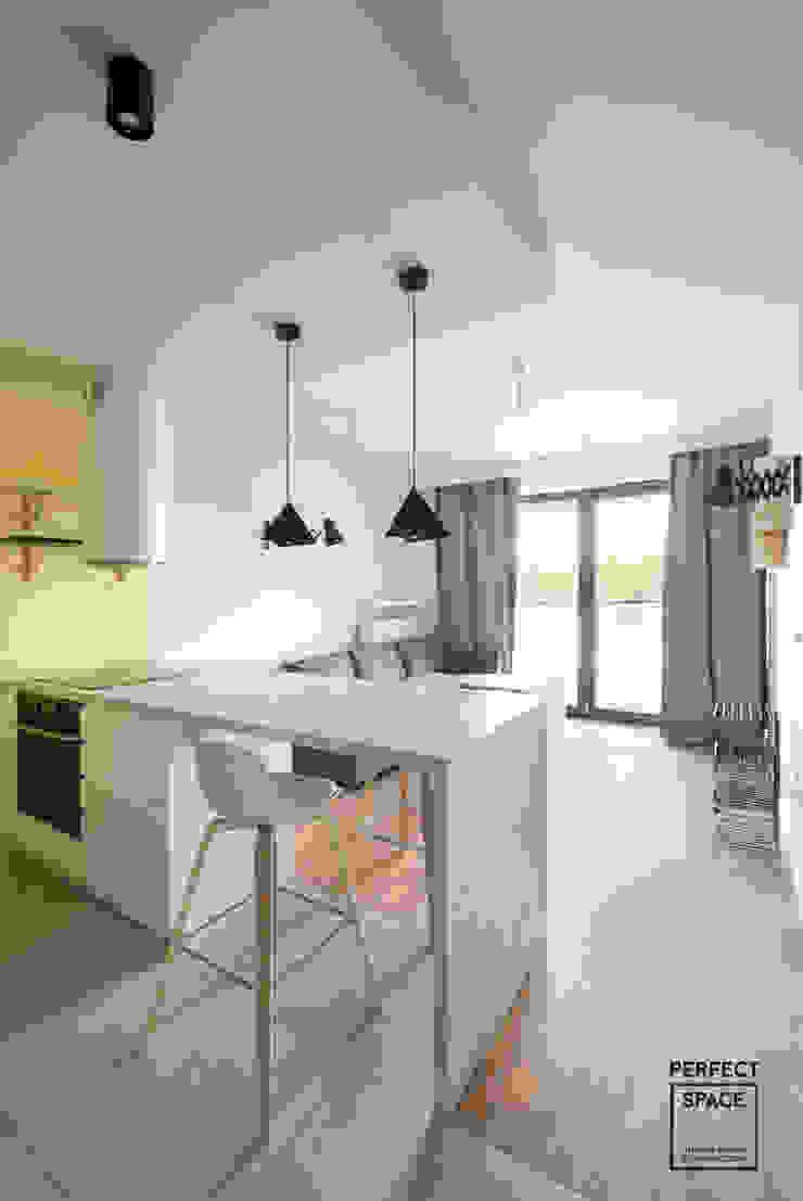 Perfect Space Ruang Makan Modern White