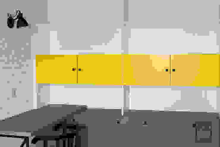 Perfect Space Ruang Studi/Kantor Modern Multicolored