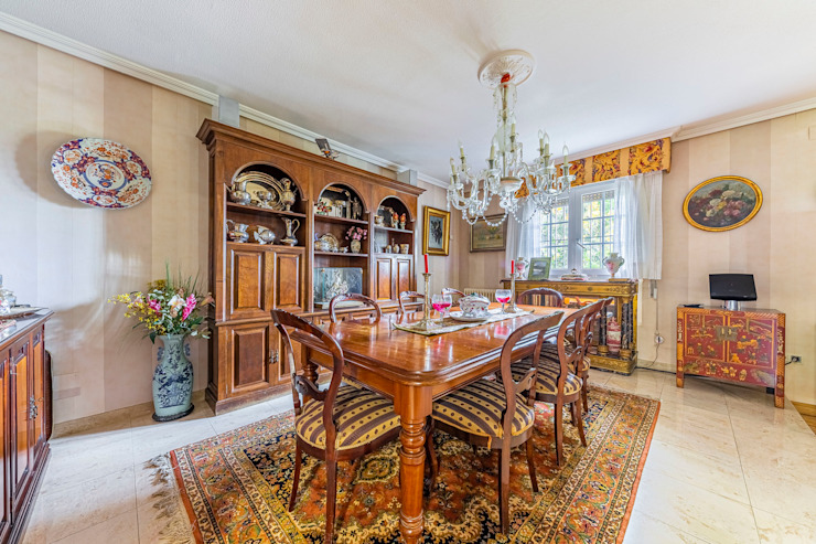 Colonial style dining room by Bernadó Luxury Houses Colonial