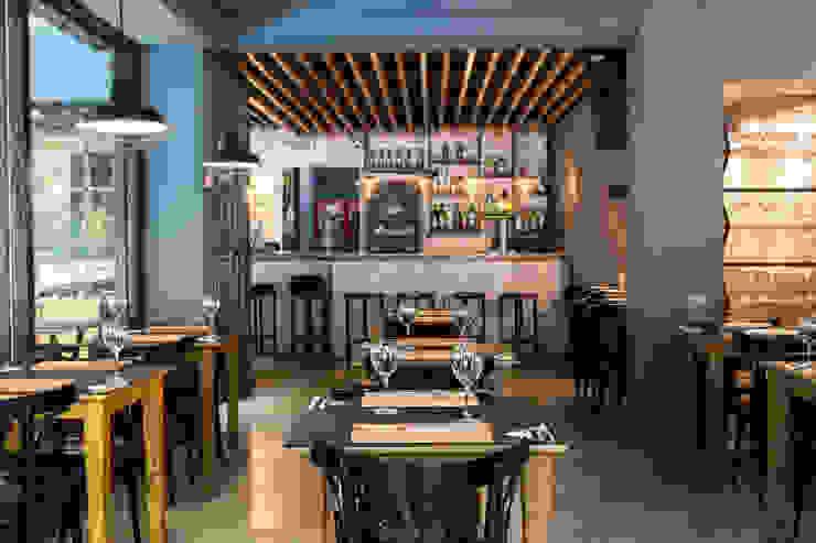 Bar & Club in stile industrial di Bhavana Industrial Ferro / Acciaio