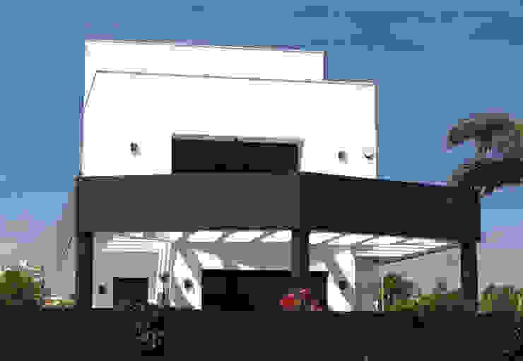 Diseño de fachada frontal de ARQUIJOVEN SLP Moderno