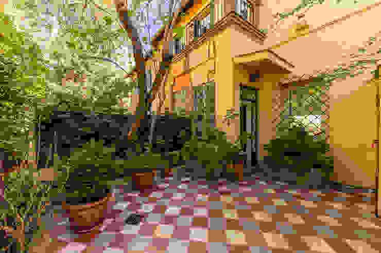 Porche entrada Bernabéu - Hispanoamérica Casas clásicas de Bernadó Luxury Houses Clásico