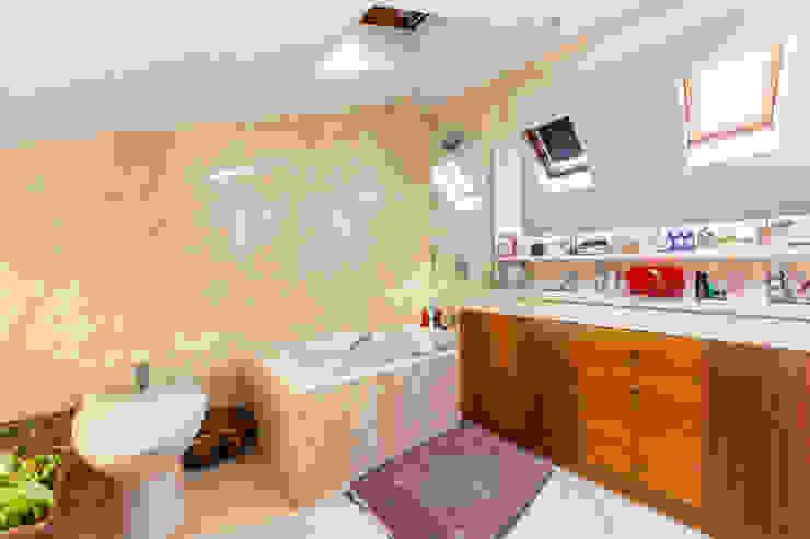 Banheiros clássicos por Bernadó Luxury Houses Clássico