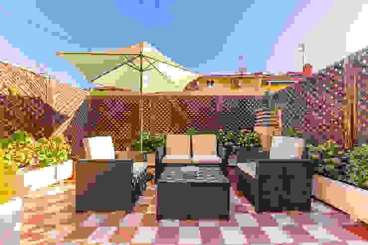 Varandas, alpendres e terraços clássicos por Bernadó Luxury Houses Clássico