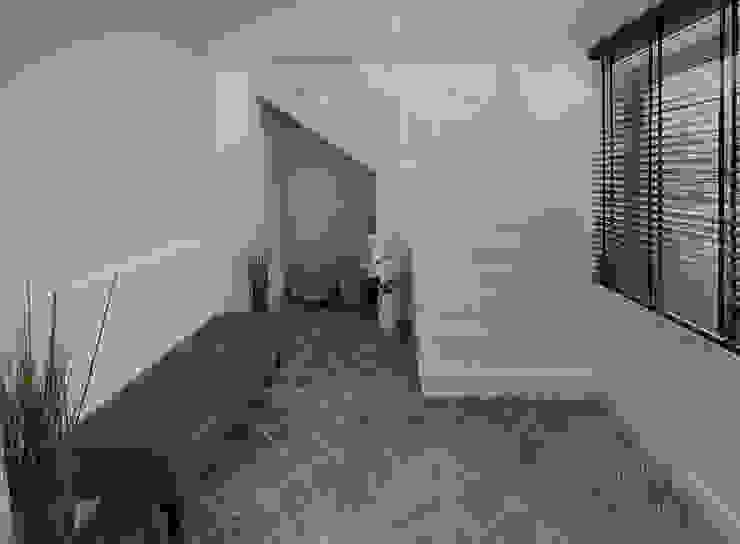 Corredores, halls e escadas campestres por Marcotte Style Campestre