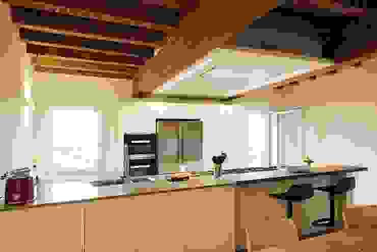 CHIARA'S KITCHEN Naturalmente Legno Srl Minimalist kitchen