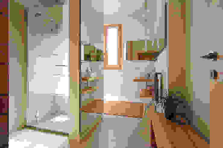 Naturalmente Legno Srl Modern style bathrooms Wood