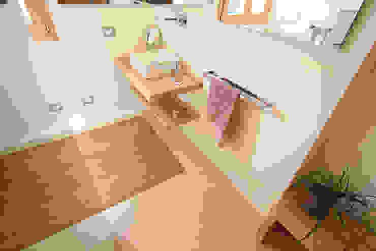 Naturalmente Legno Srl Modern bathroom