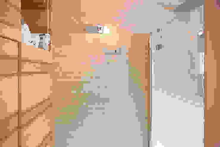 Naturalmente Legno Srl Modern style bathrooms