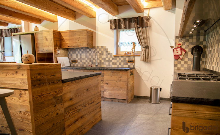 Arredamenti Brigadoi CocinaEstanterías y gavetas Madera